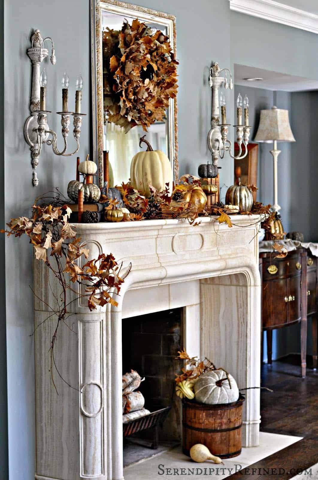 Fall-Mantel-Decorating-Ideas-14-1-Kindesign