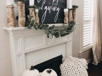 Fall-Mantel-Decorating-Ideas-22-1-Kindesign