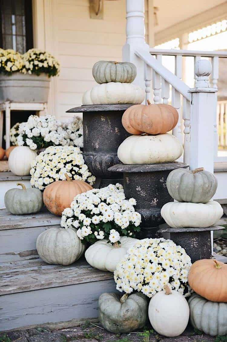 Front-Porch-Decorating-Ideas-For-Fall-015-1-Kindesign