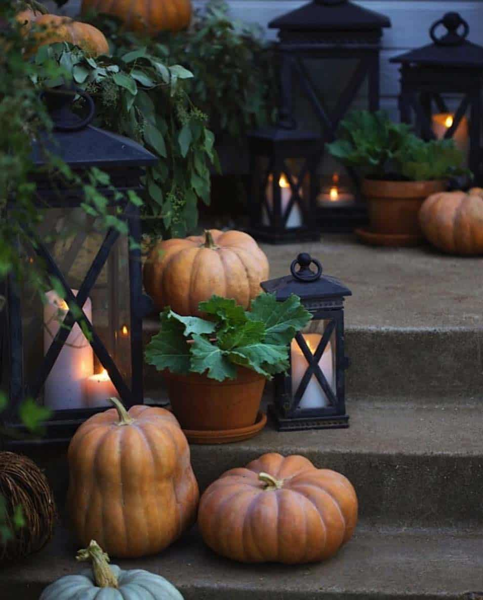 Front-Porch-Decorating-Ideas-For-Fall-03-1-Kindesign