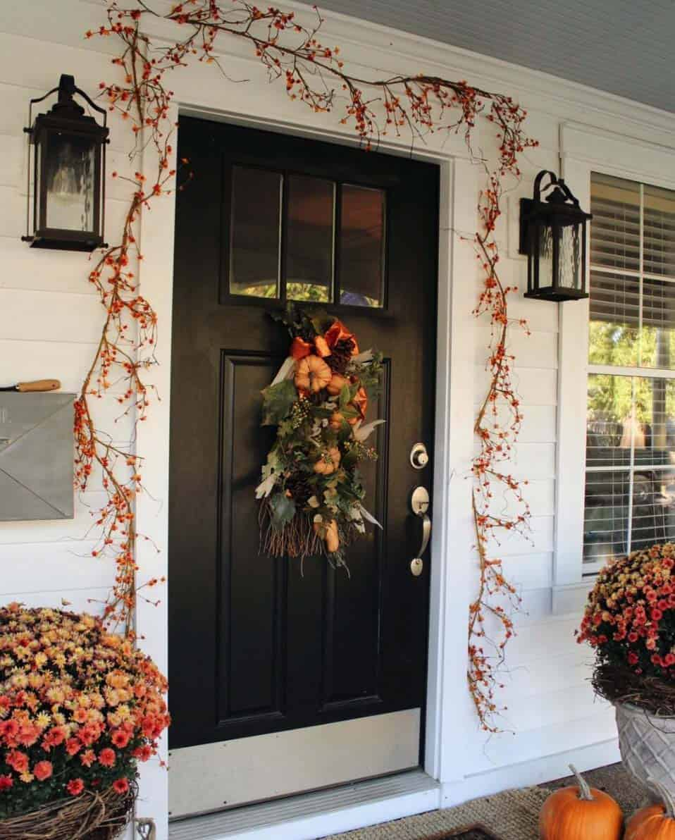 Front-Porch-Decorating-Ideas-For-Fall-09-1-Kindesign