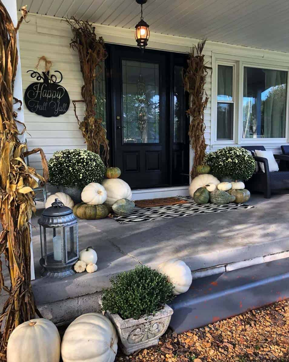 Front-Porch-Decorating-Ideas-For-Fall-21-1-Kindesign