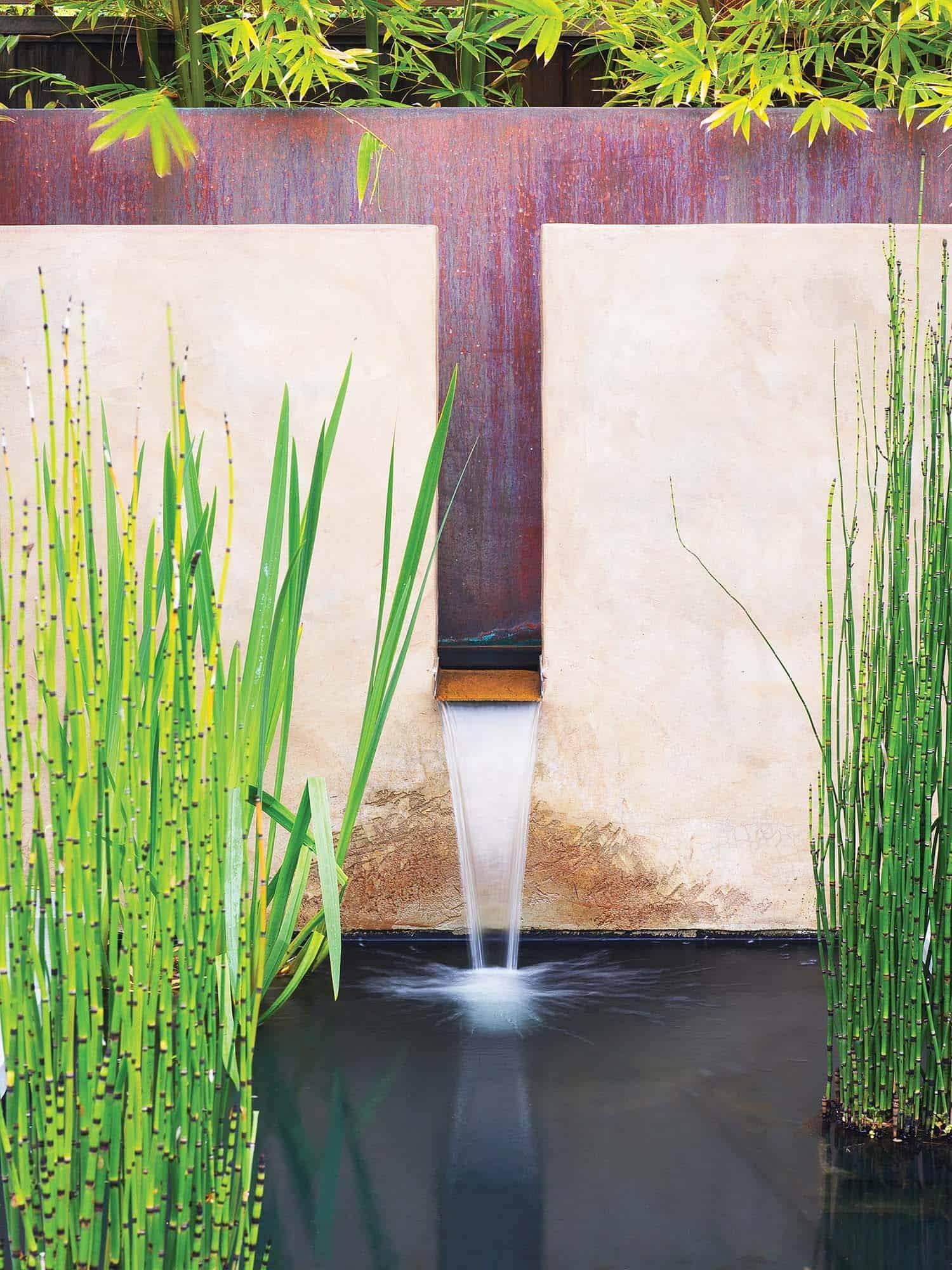 Inspiring-Outdoor-Garden-Fountains-08-1-Kindesign