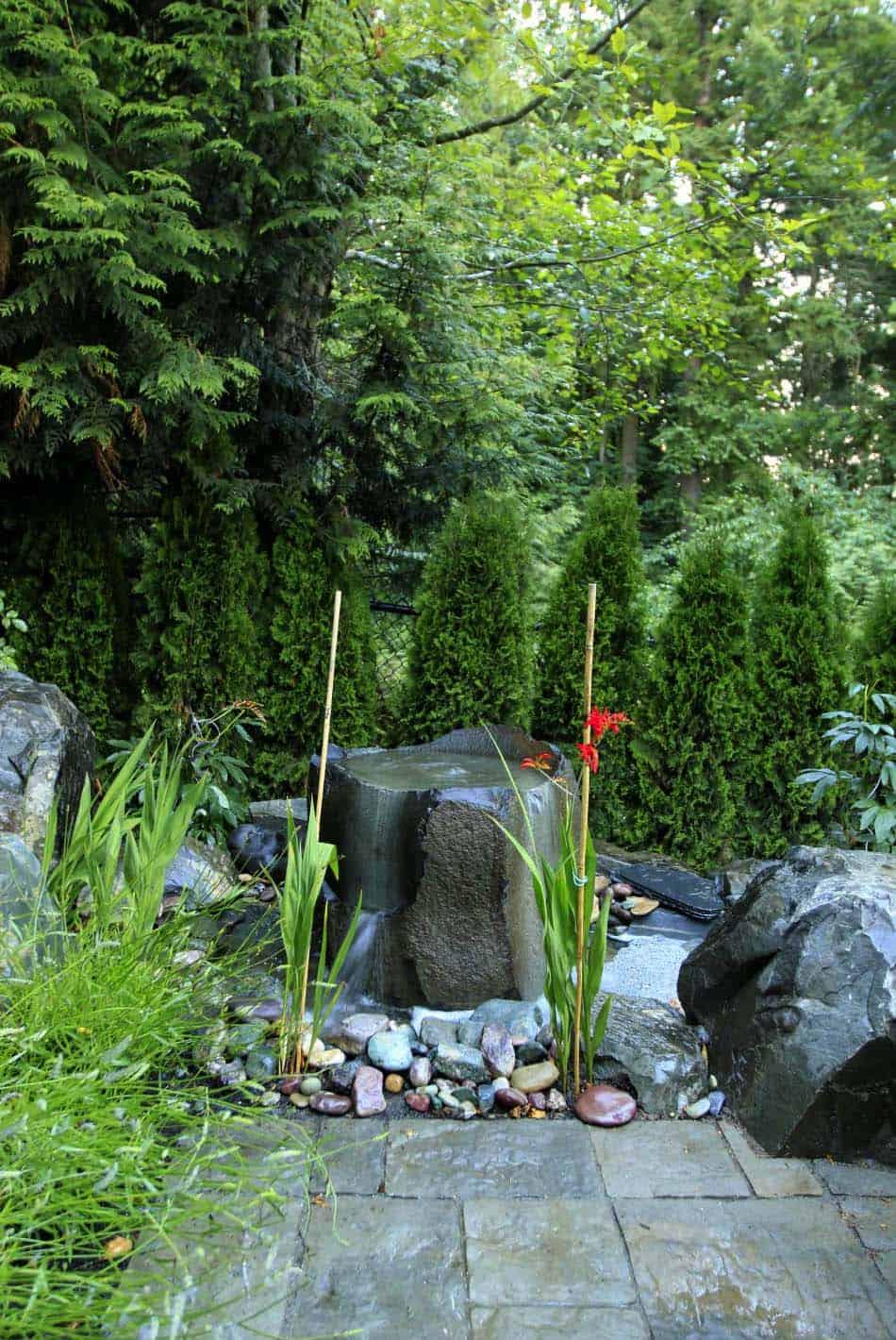 Inspiring-Outdoor-Garden-Fountains-11-1-Kindesign