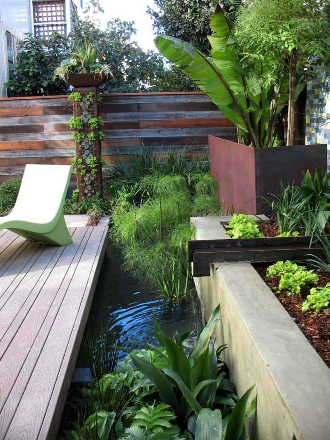 Inspiring-Outdoor-Garden-Fountains-13-1-Kindesign