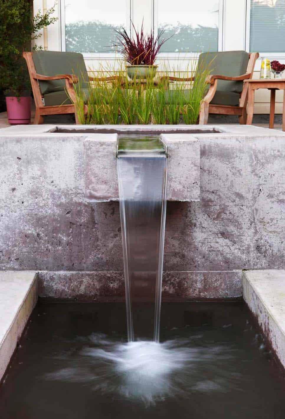 Inspiring-Outdoor-Garden-Fountains-14-1-Kindesign