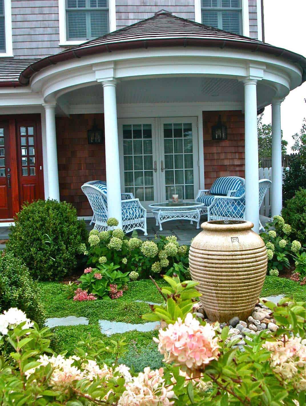 Inspiring-Outdoor-Garden-Fountains-18-1-Kindesign
