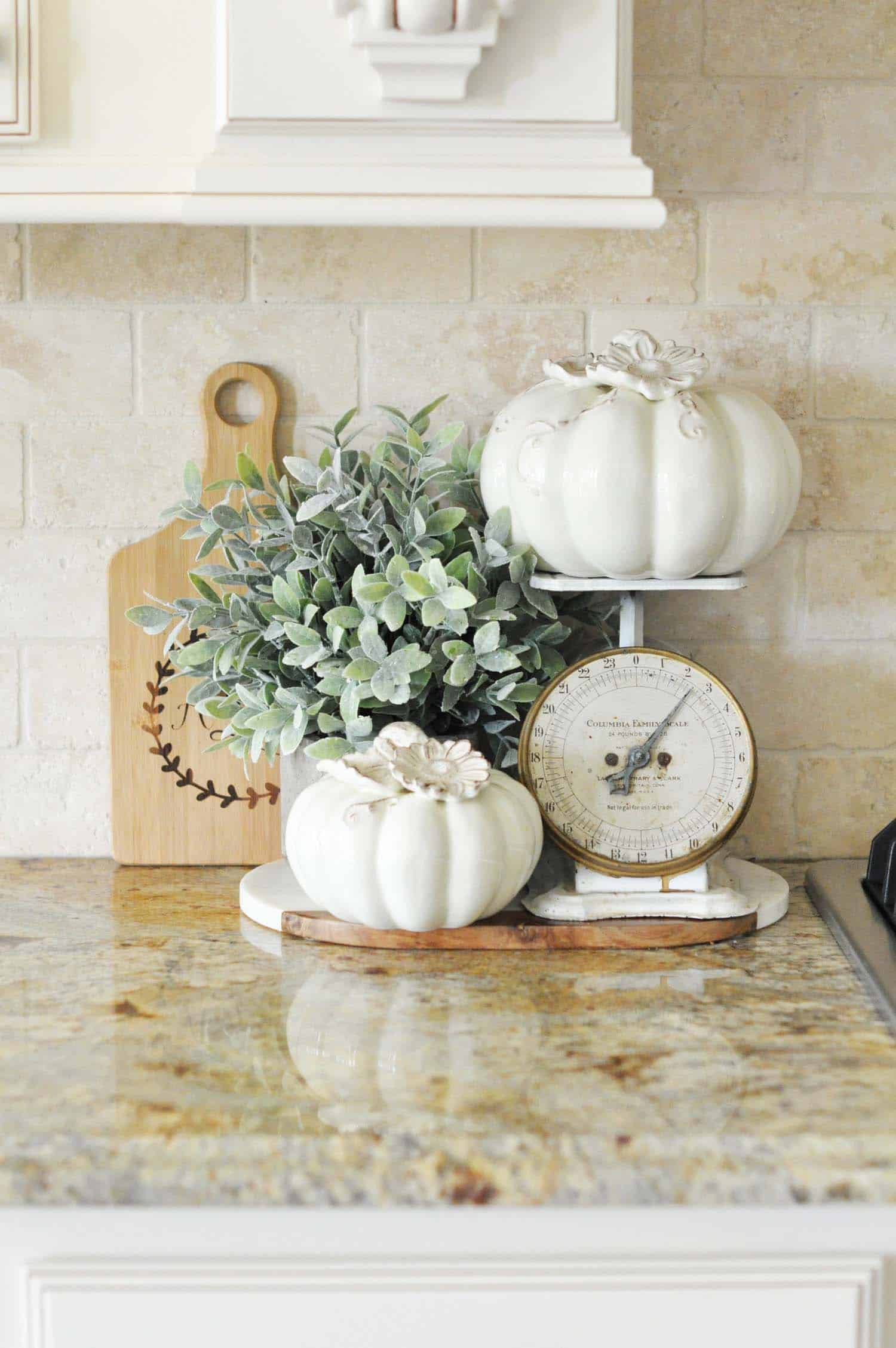 Inviting-Fall-Kitchen-Decorating-Ideas-028-1-Kindesign