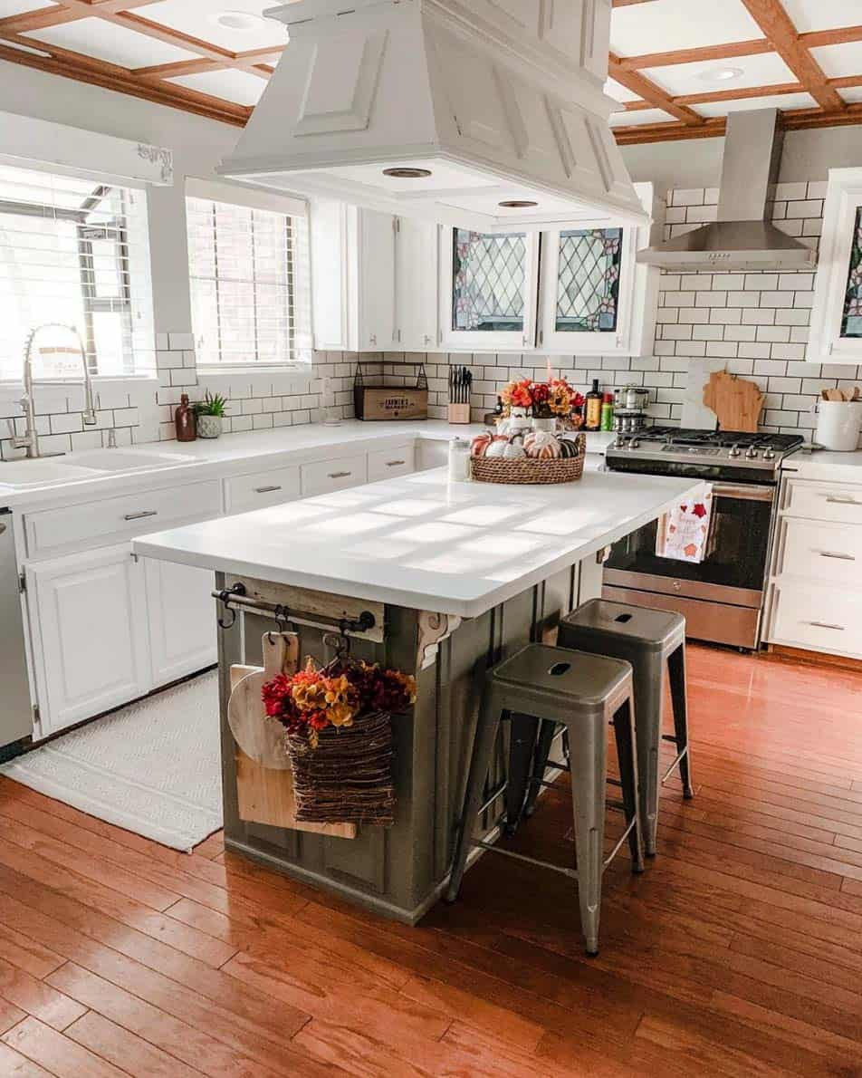 Inviting-Fall-Kitchen-Decorating-Ideas-03-1-Kindesign