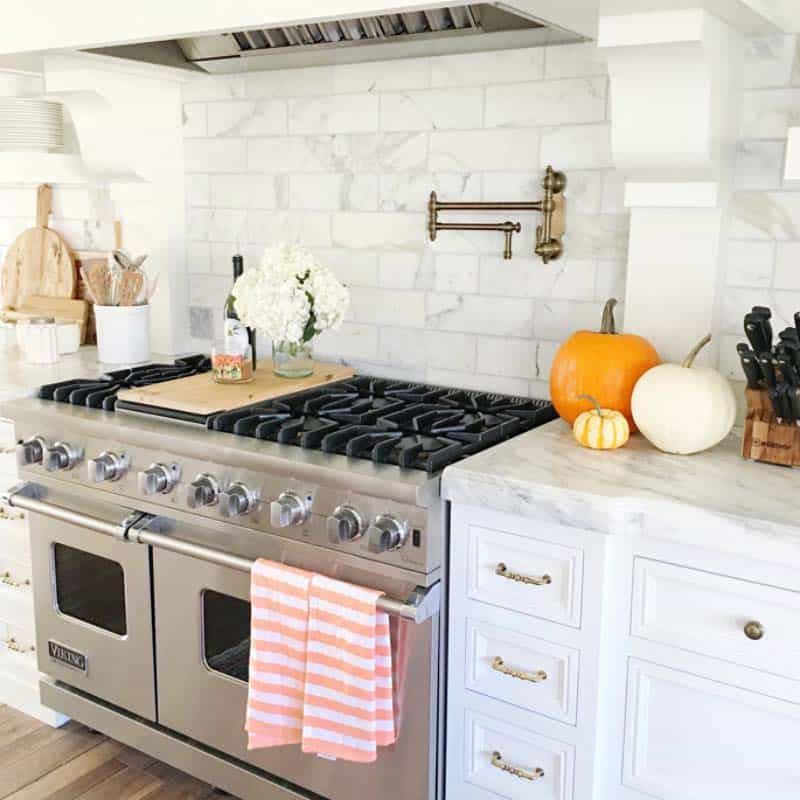Inviting-Fall-Kitchen-Decorating-Ideas-06-1-Kindesign