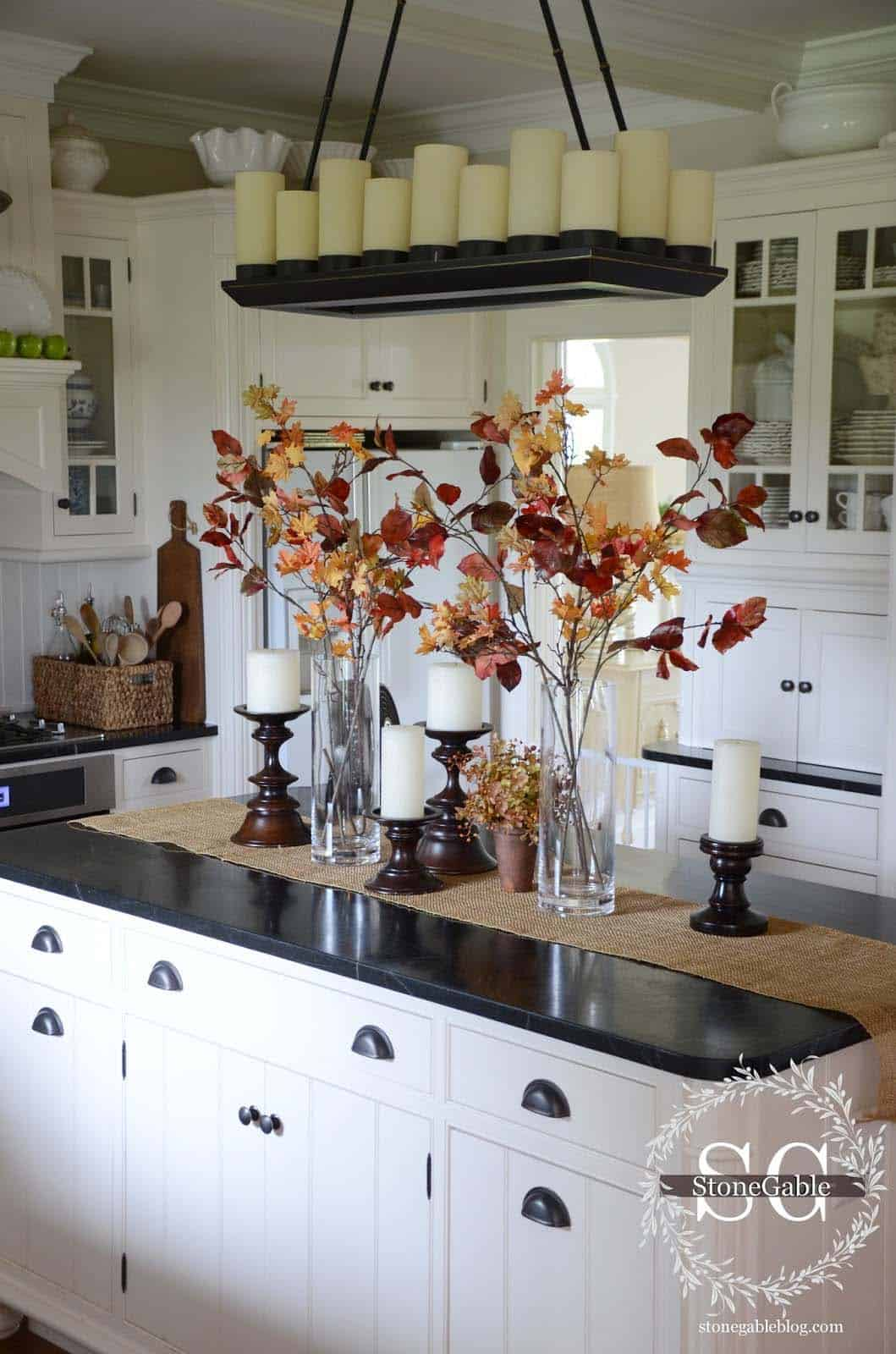 Inviting-Fall-Kitchen-Decorating-Ideas-09-1-Kindesign