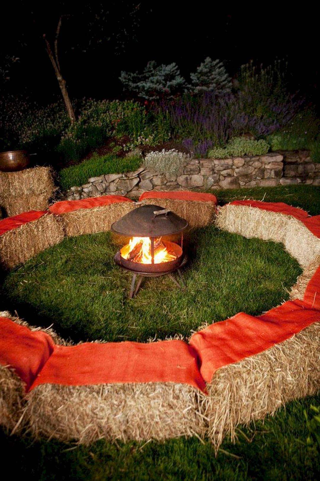 Outdoor-Fall-Party-Decorating-Ideas-04-1-Kindesign