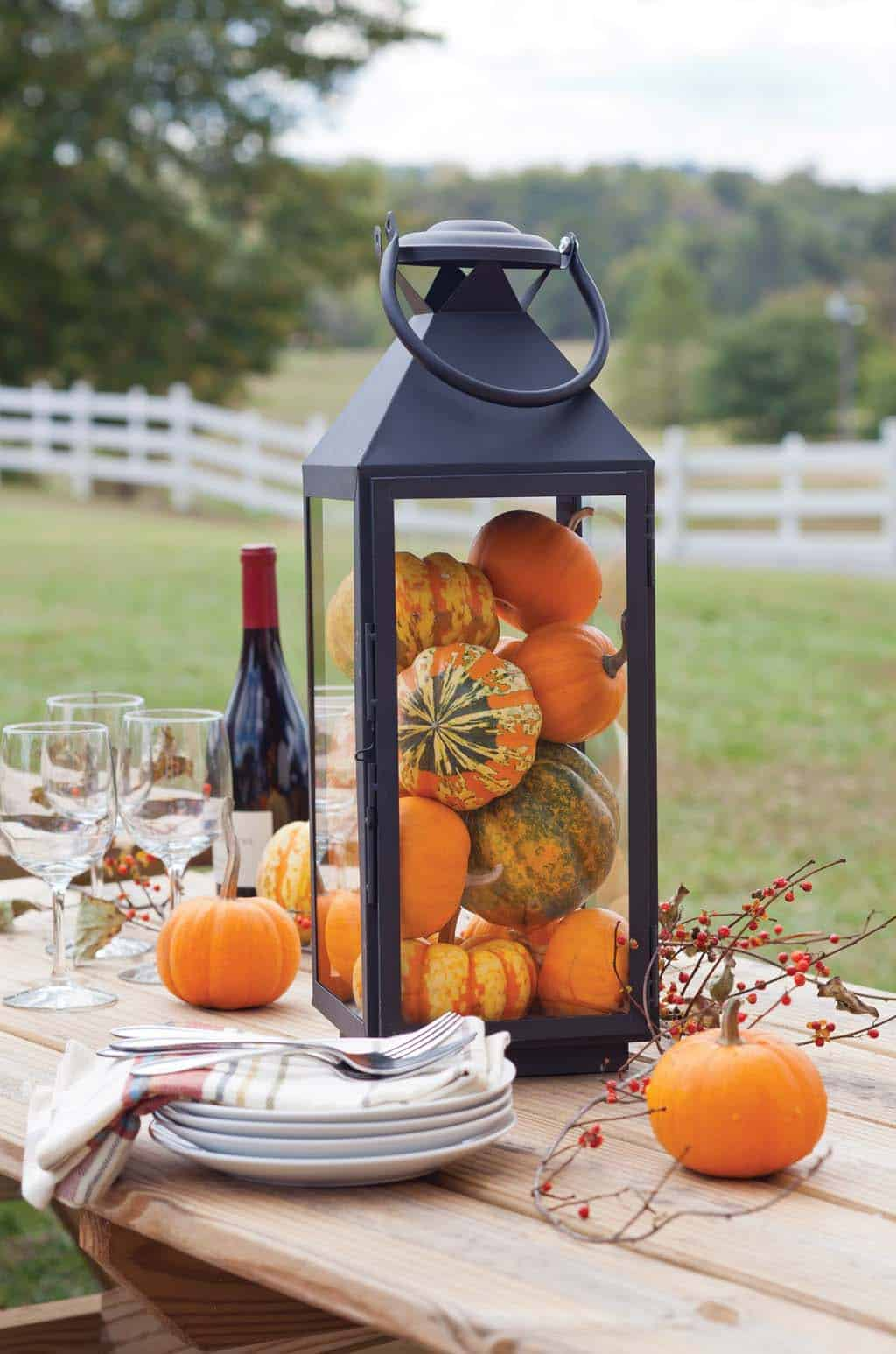 Outdoor-Fall-Party-Decorating-Ideas-22-1-Kindesign
