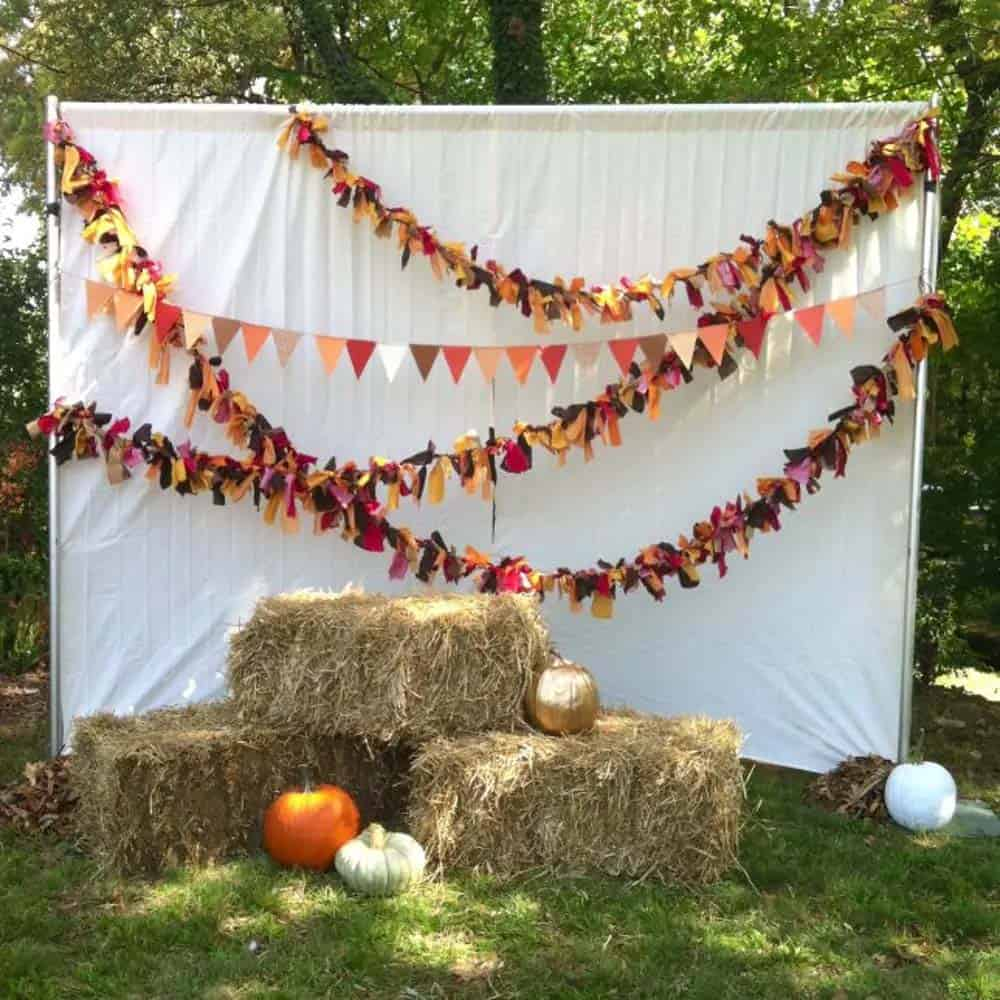 Outdoor-Fall-Party-Decorating-Ideas-27-1-Kindesign