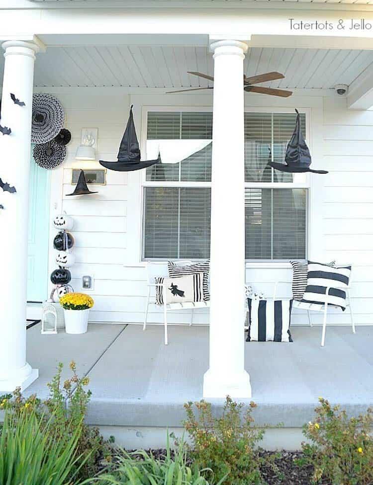 Spooky-Outdoor-Halloween-Decorating-Ideas-08-1-Kindesign