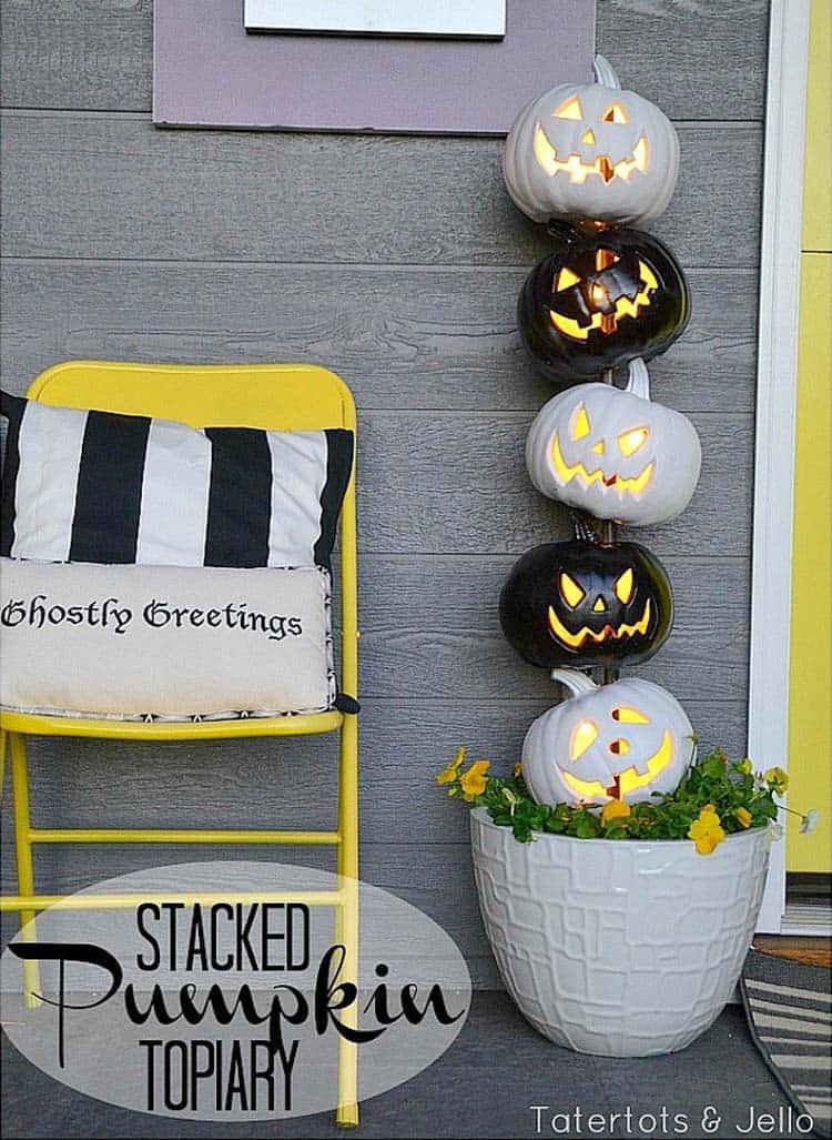 Spooky-Outdoor-Halloween-Decorating-Ideas-09-1-Kindesign