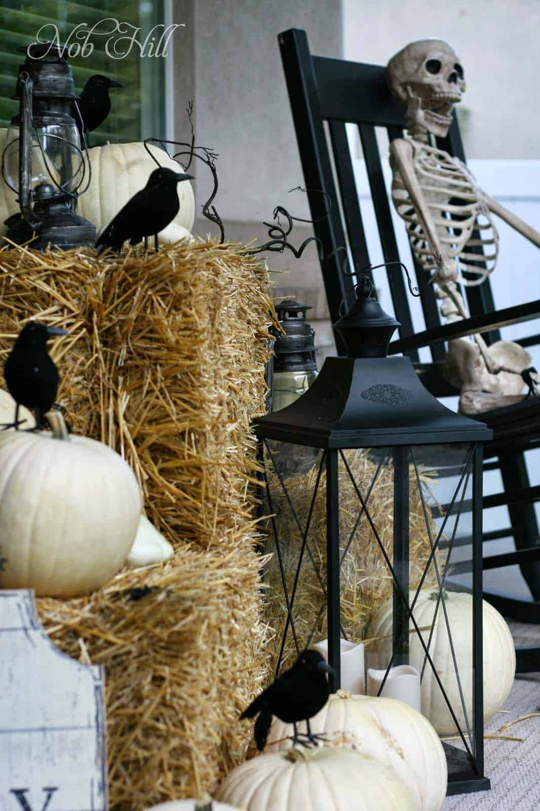 Spooky-Outdoor-Halloween-Decorating-Ideas-11-1-Kindesign