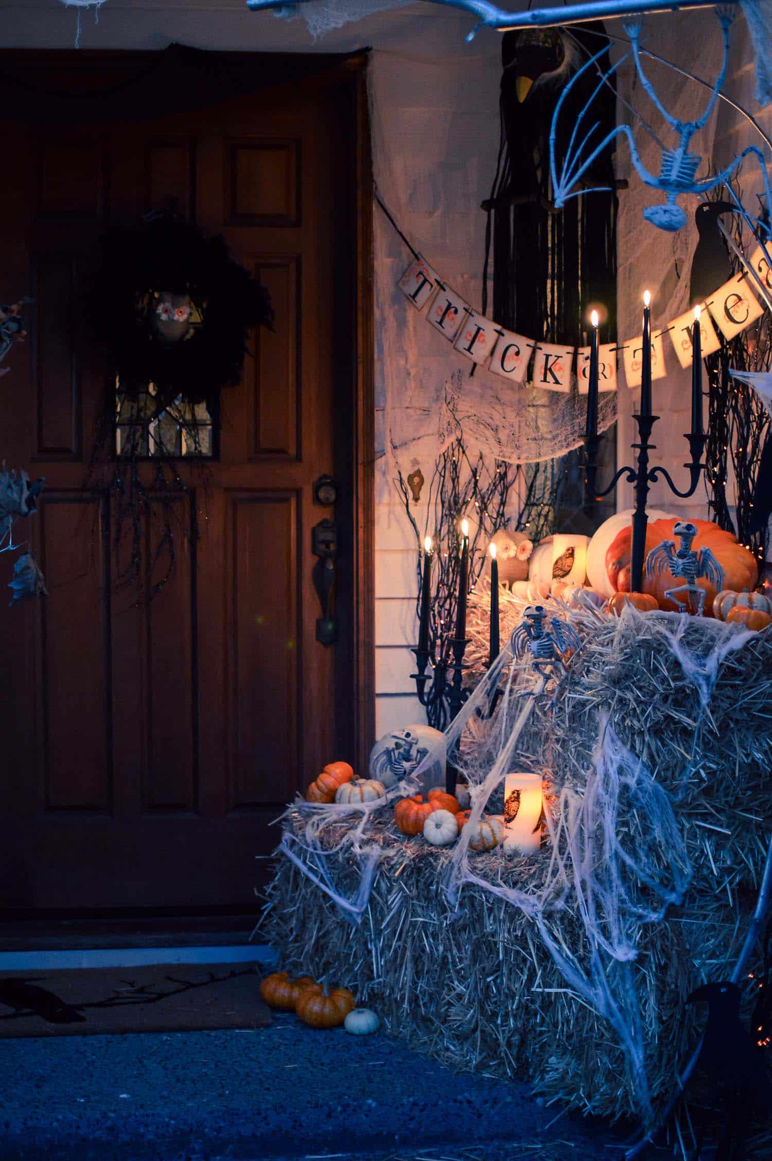 Spooky-Outdoor-Halloween-Decorating-Ideas-14-1-Kindesign