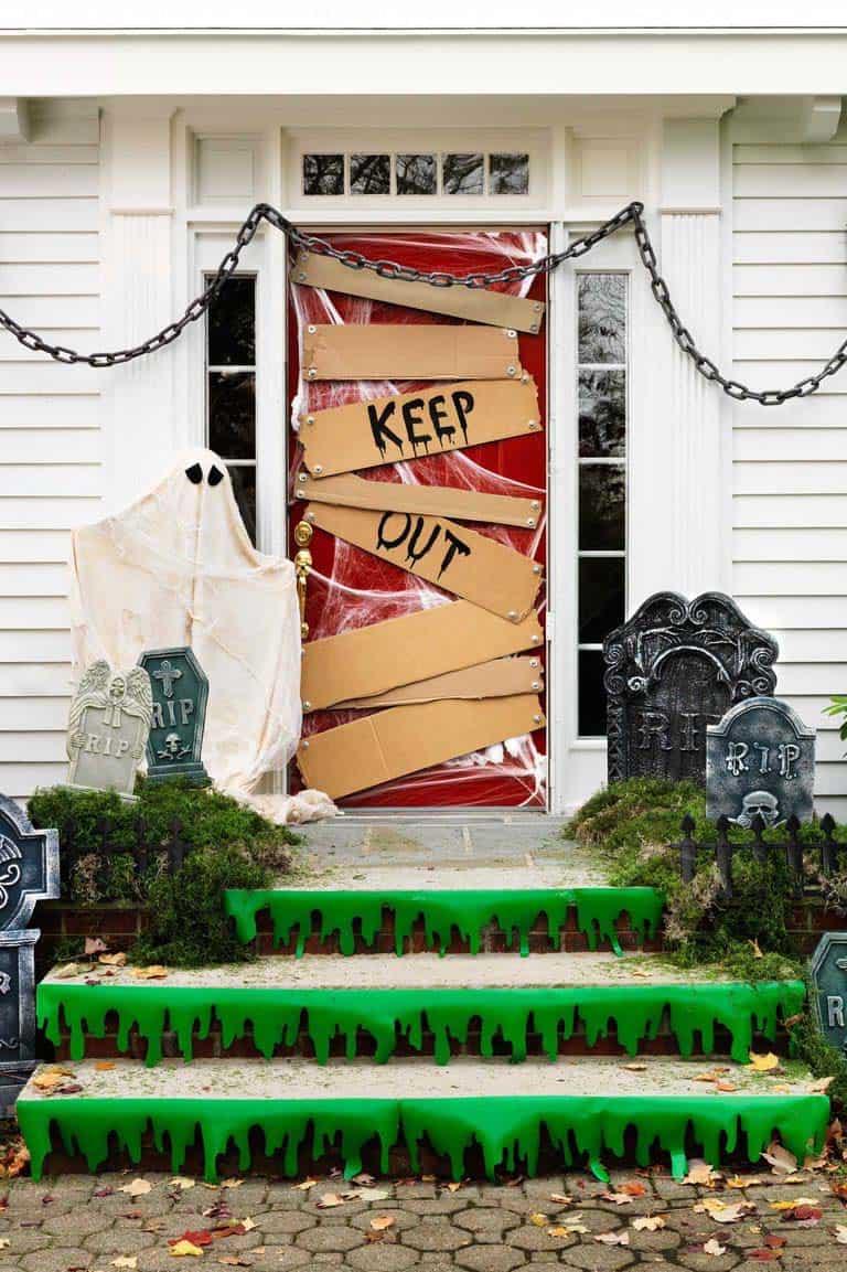 Spooky-Outdoor-Halloween-Decorating-Ideas-17-1-Kindesign