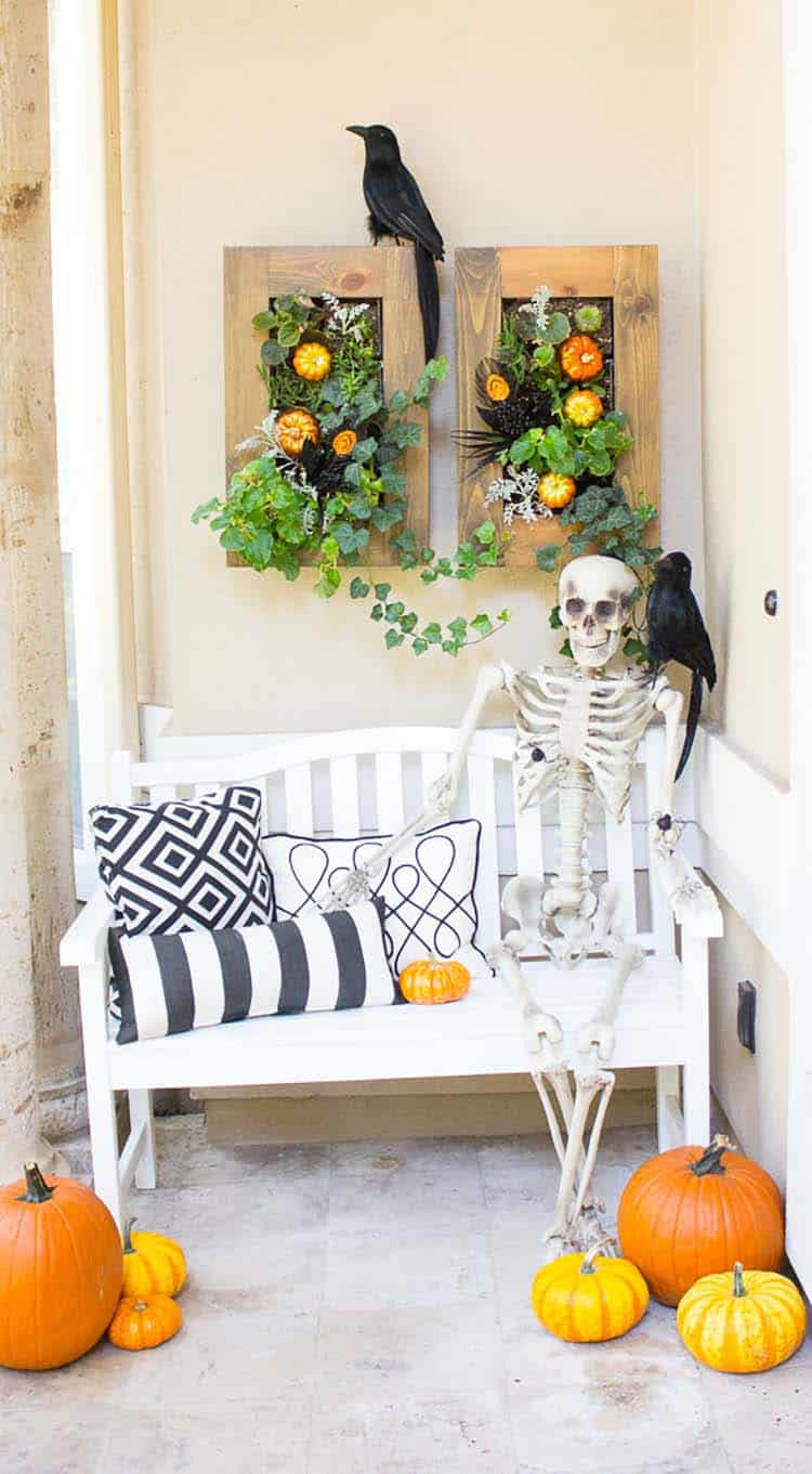 Spooky-Outdoor-Halloween-Decorating-Ideas-20-1-Kindesign