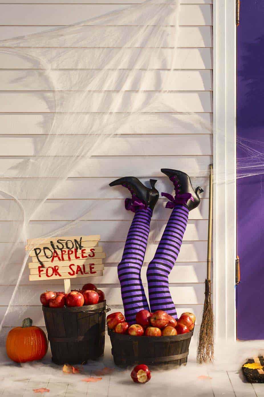 Spooky-Outdoor-Halloween-Decorating-Ideas-21-1-Kindesign