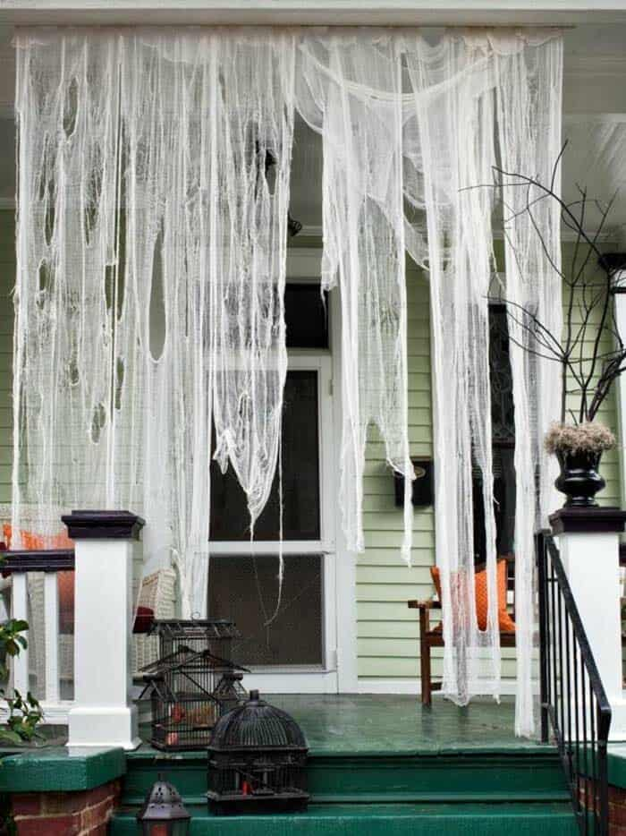 Spooky-Outdoor-Halloween-Decorating-Ideas-29-1-Kindesign