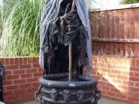Spooky-Outdoor-Halloween-Decorating-Ideas-36-1-Kindesign