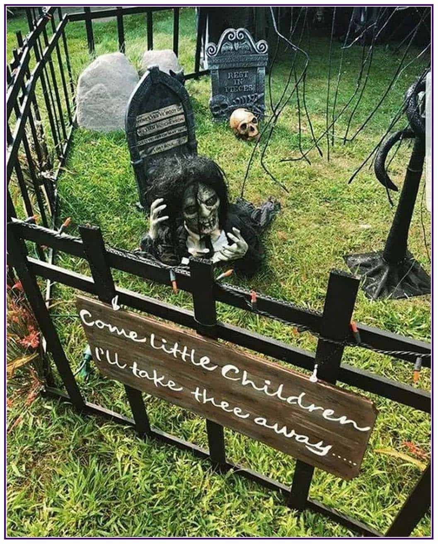 Spooky-Outdoor-Halloween-Decorating-Ideas-37-1-Kindesign