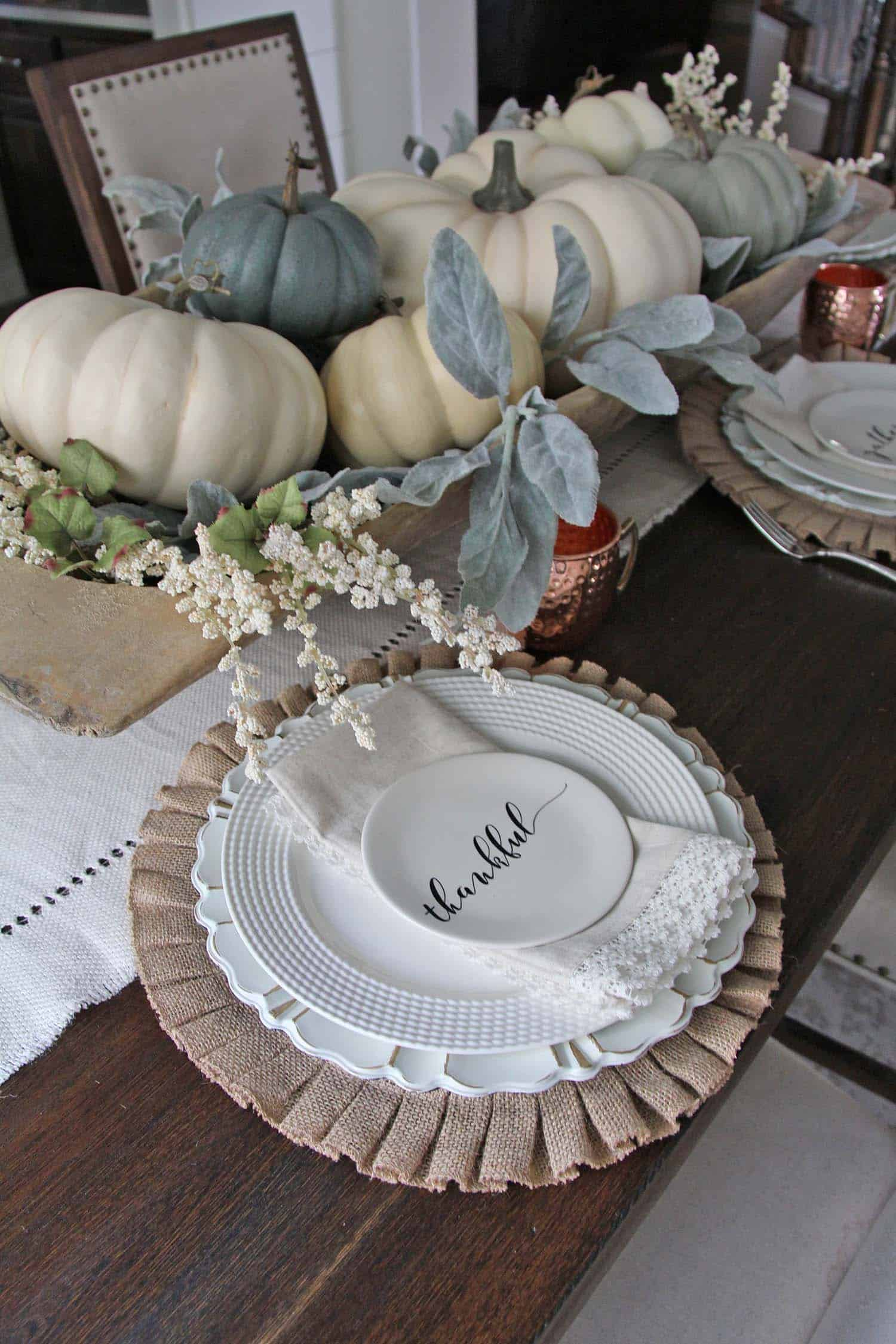 Thanksgiving-Table-Place-Setting-Ideas-10-1-Kindesign