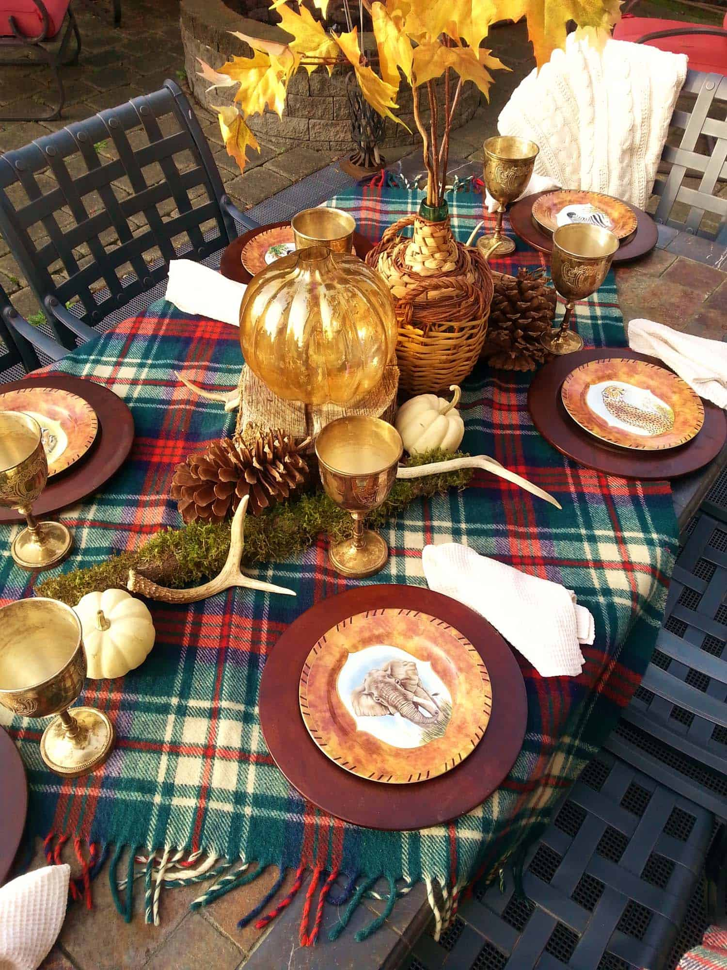 Thanksgiving-Table-Place-Setting-Ideas-16-1-Kindesign