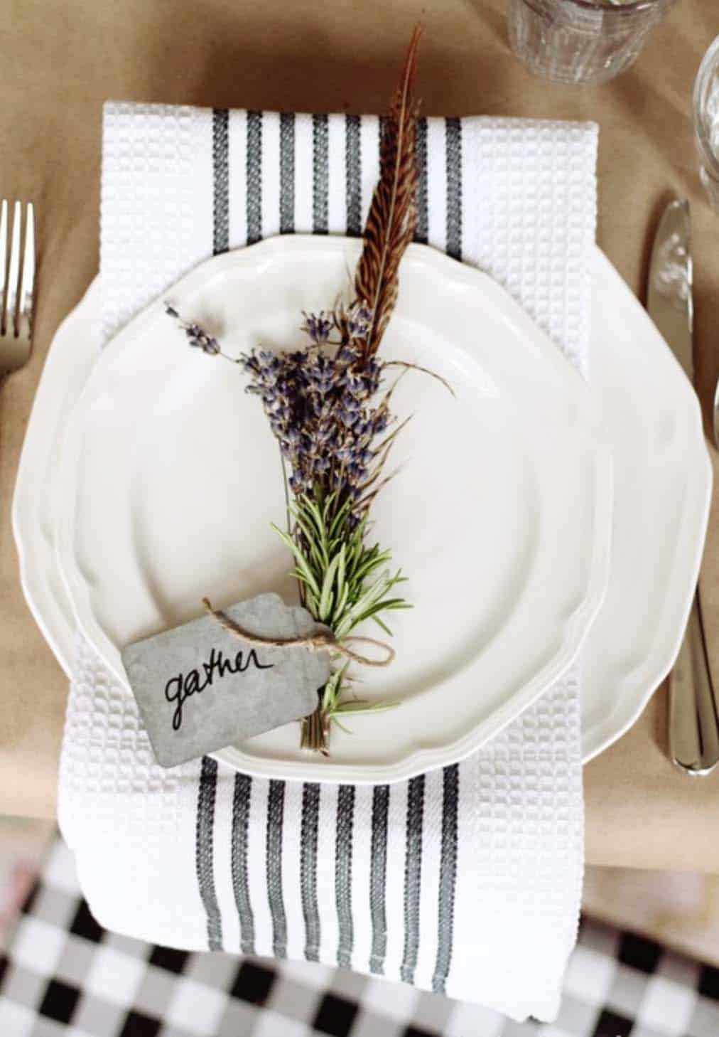 Thanksgiving-Table-Place-Setting-Ideas-19-1-Kindesign