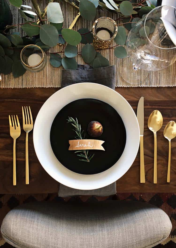 Thanksgiving-Table-Place-Setting-Ideas-20-1-Kindesign