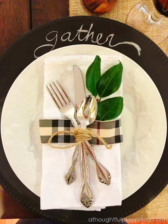 Thanksgiving-Table-Place-Setting-Ideas-26-1-Kindesign