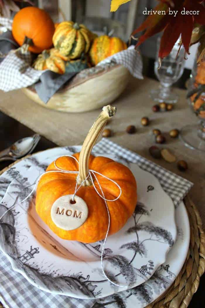 Thanksgiving-Table-Place-Setting-Ideas-28-1-Kindesign