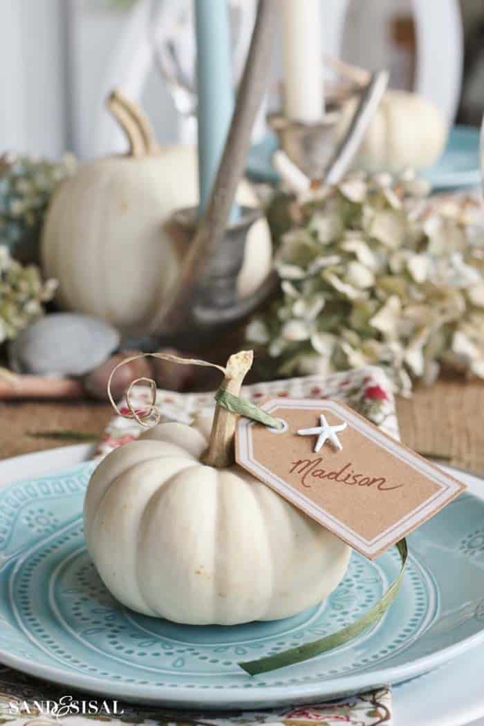 Thanksgiving-Table-Place-Setting-Ideas-30-1-Kindesign