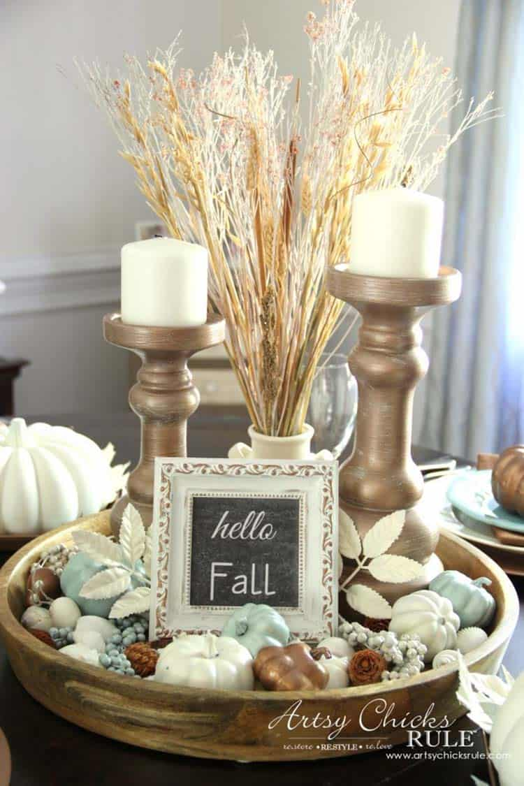 Welcoming-Fall-Table-Decorating-Ideas-07-1-Kindesign