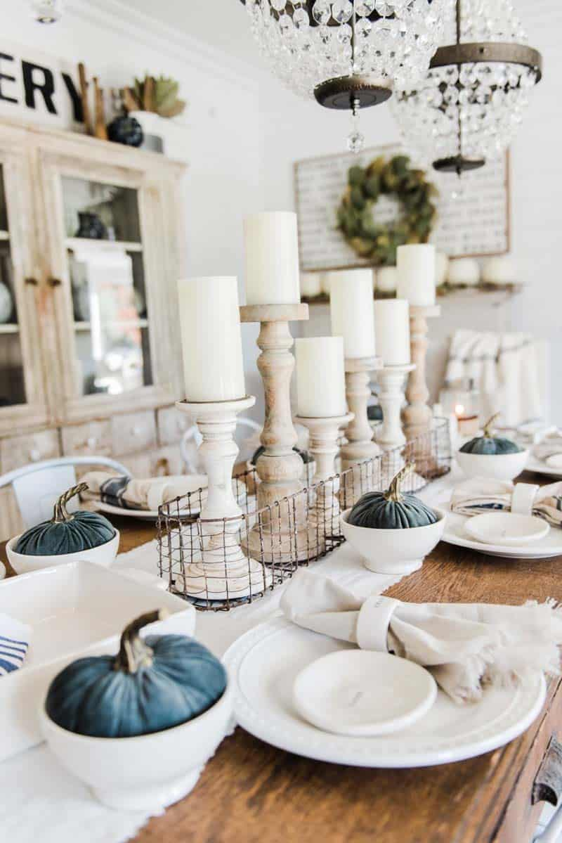 Welcoming-Fall-Table-Decorating-Ideas-11-1-Kindesign
