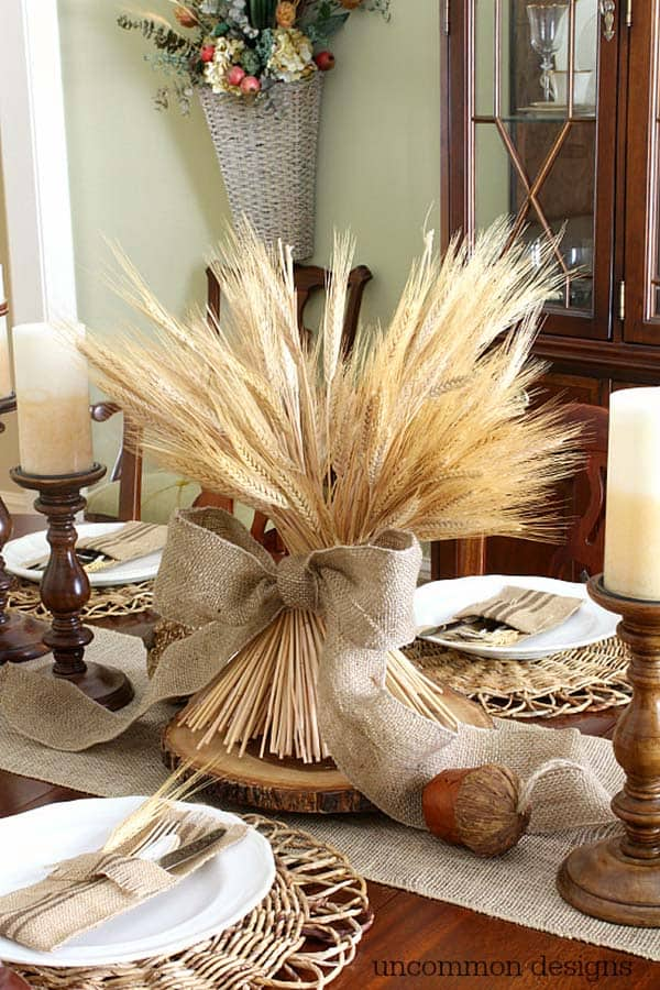 Welcoming-Fall-Table-Decorating-Ideas-13-1-Kindesign