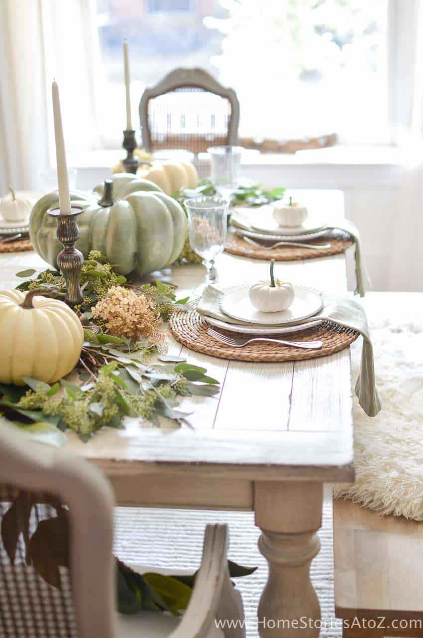 Welcoming-Fall-Table-Decorating-Ideas-19-1-Kindesign