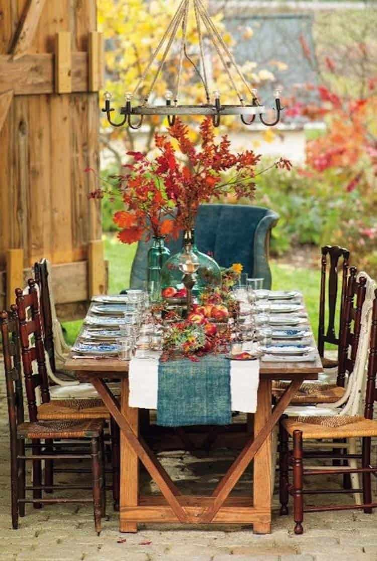 Welcoming-Fall-Table-Decorating-Ideas-21-1-Kindesign