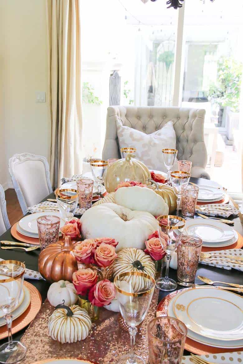 Welcoming-Fall-Table-Decorating-Ideas-23-1-Kindesign
