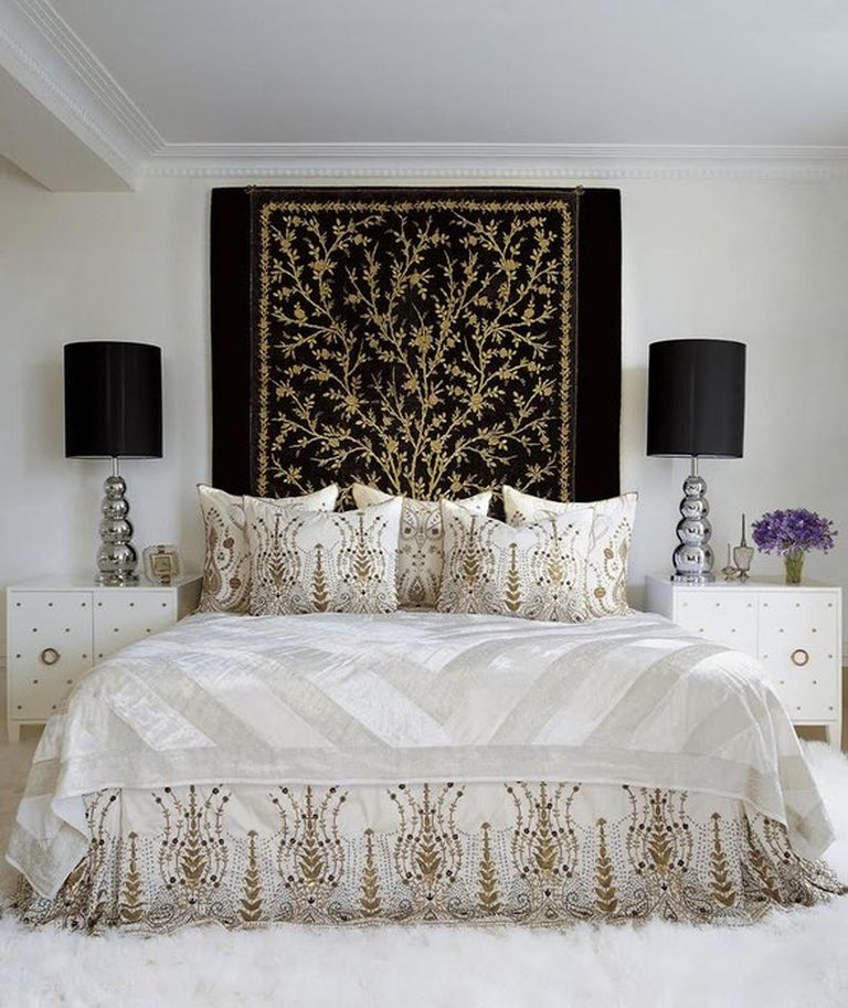 Black carpet and table lamps for Classic bedroom with queen bedroom