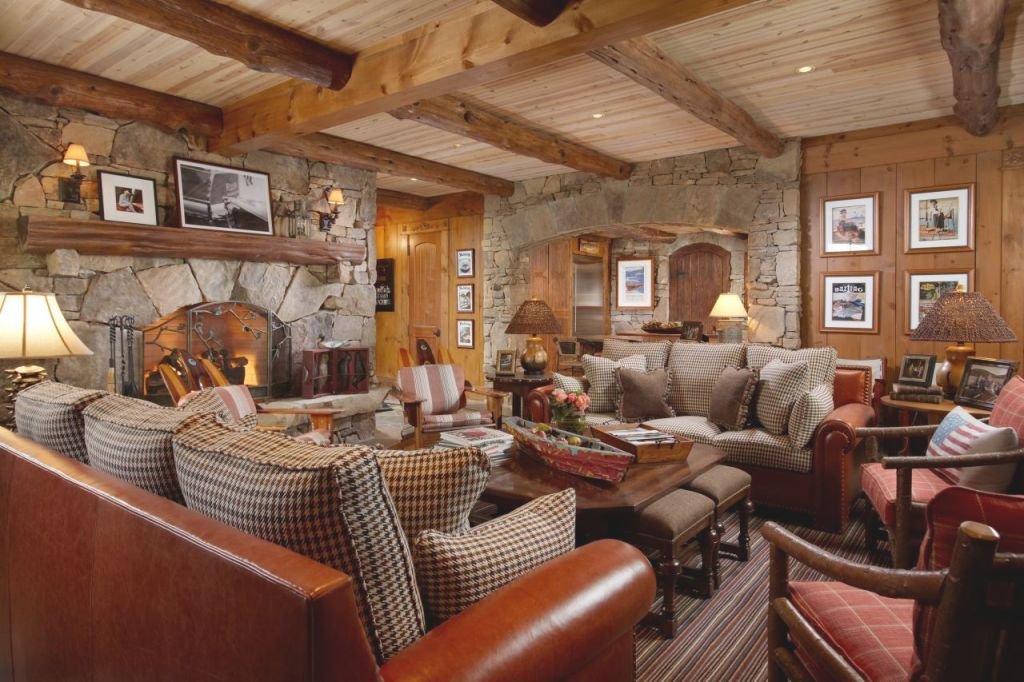 10 Cozy, Cabin-Chic Spaces We'Re Swooning Over | Hgtv'S pertaining to Hunting Decor For Living Room