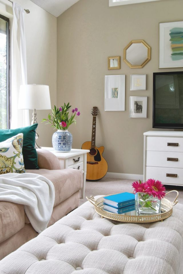 Budget Living Room Decorating Ideas Comfortable Small Rooms in Decorating A Small Living Room On A Budget