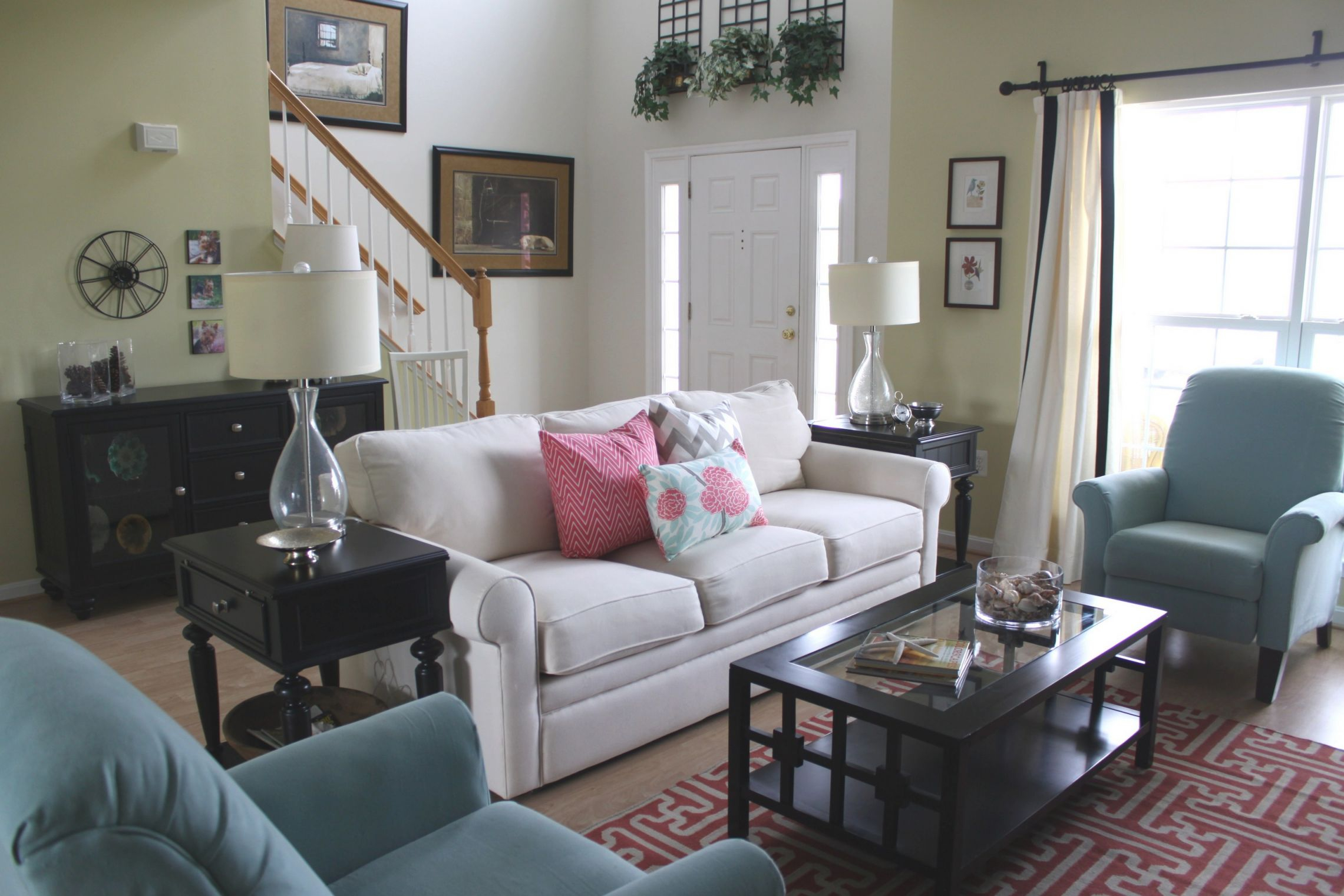 Home And Interior Design Decorating Your Livingroom with regard to 13+ Unique Ideas For Decorating A Small Living Room On A Budget