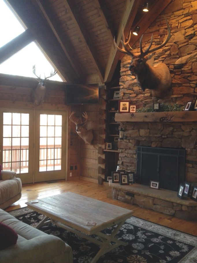 Rustic Living Room. Hunting Trophies. Elk Mount. Log Cabin for 10+ Unique Gallery Hunting Decor For Living Room