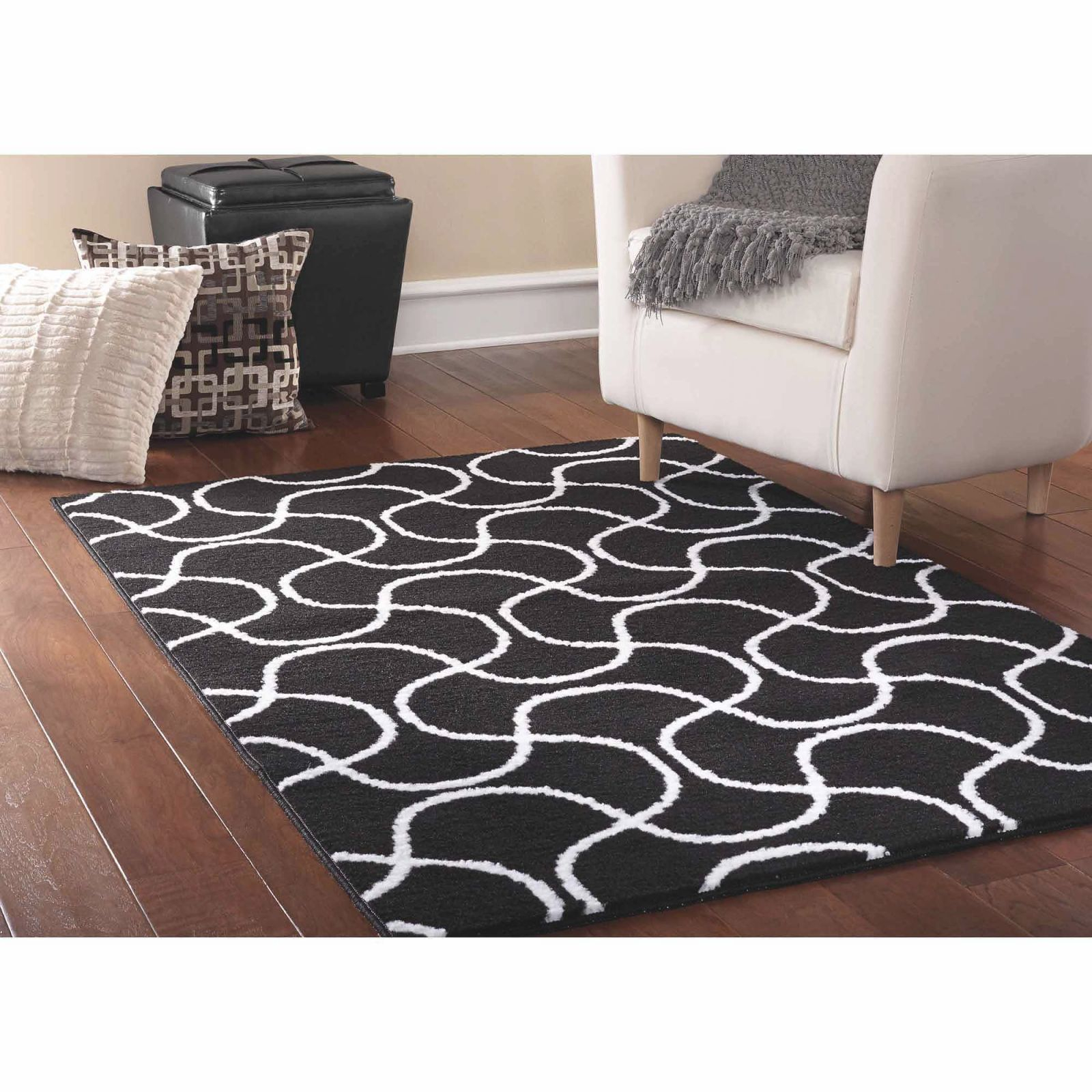 "Mainstays Drizzle Black/White 45""X66"" Abstract Indoor Area Rug within Awesome Ideas For Big Area Rugs For Living Room"