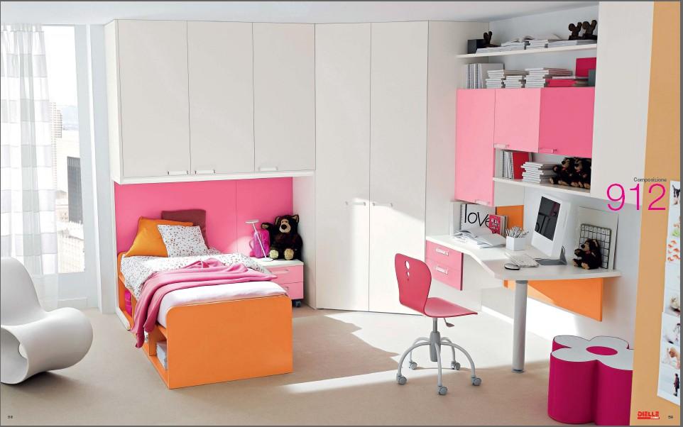 pink-and-orange-room