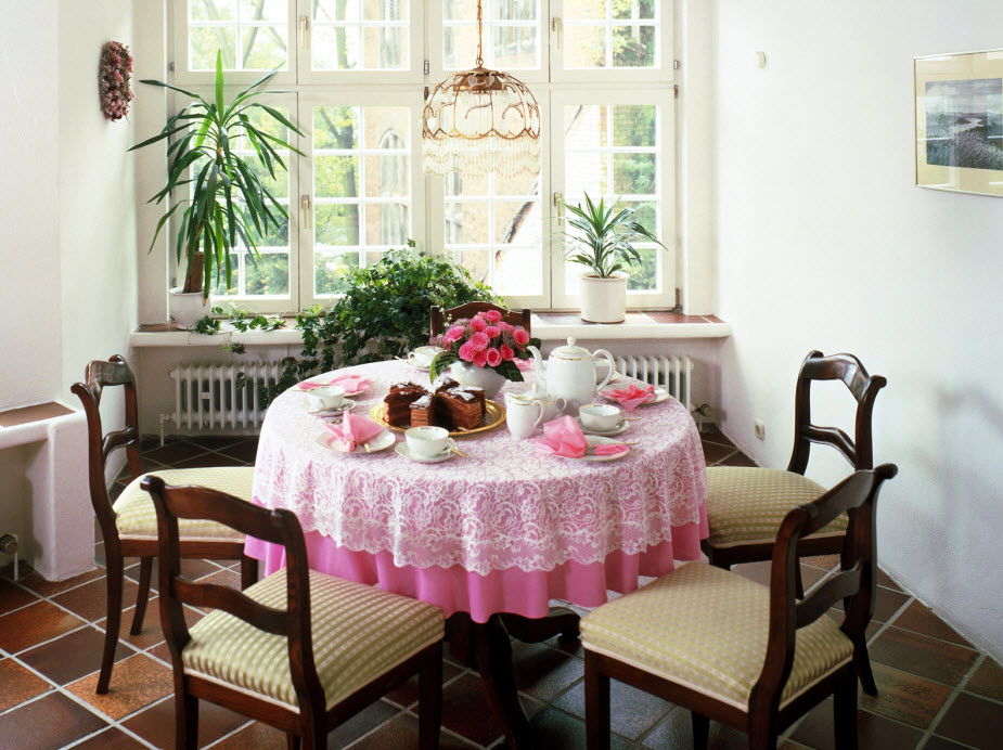 cottage-dining-table