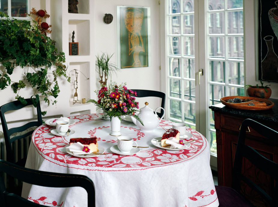 cottage-dining